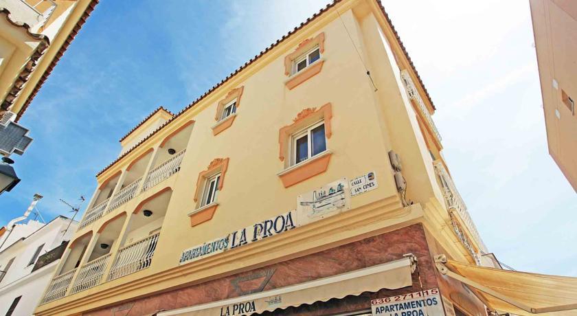 Apartamentos La Proa